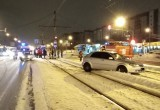 В Череповце автомобиль сбил нарушителя и выехал на трамвайные пути (ФОТО)