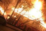 Отметили День пожарных. В Череповце на проспекте Советский, 4 ночью полыхало двухэтажное здание