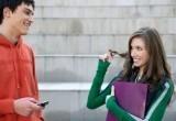 Как вы относитесь к знакомствам на улице?