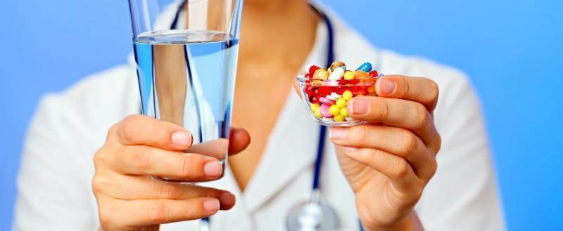 «Вакханалию надо заканчивать»: фармацевт о рекламе лекарств на ТВ